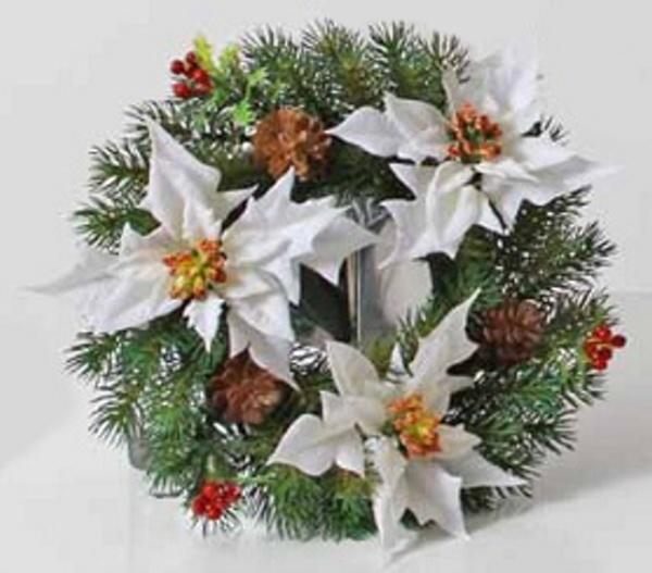 Umělý věnec Vánoční hvězda bílá 28 cm