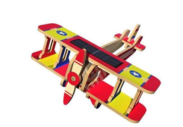 Solární letadlo - dvojplošník - barevný