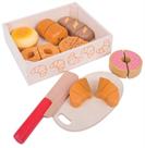 Krájení pečiva v krabičce/ dřevěné potraviny