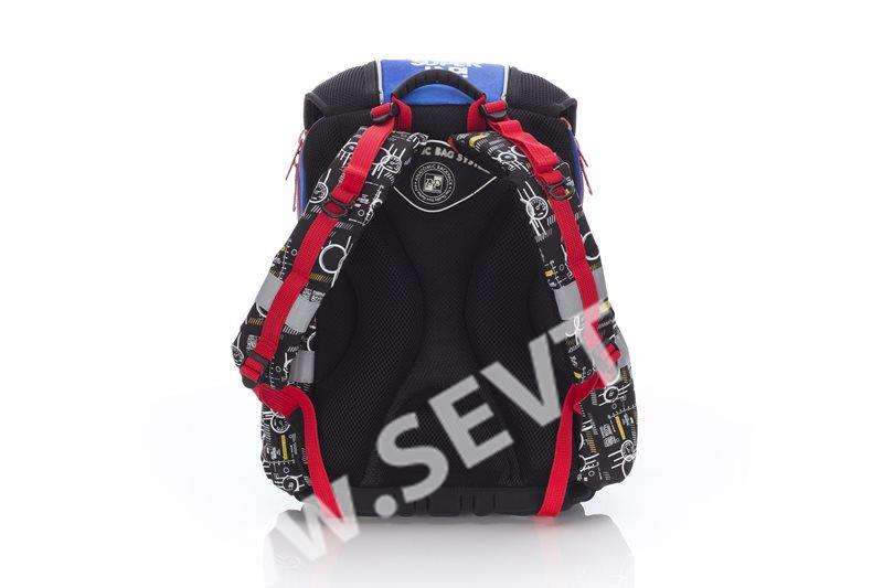 Školní batoh PLUS - Cars - SEVT.cz 9b5c60c20f